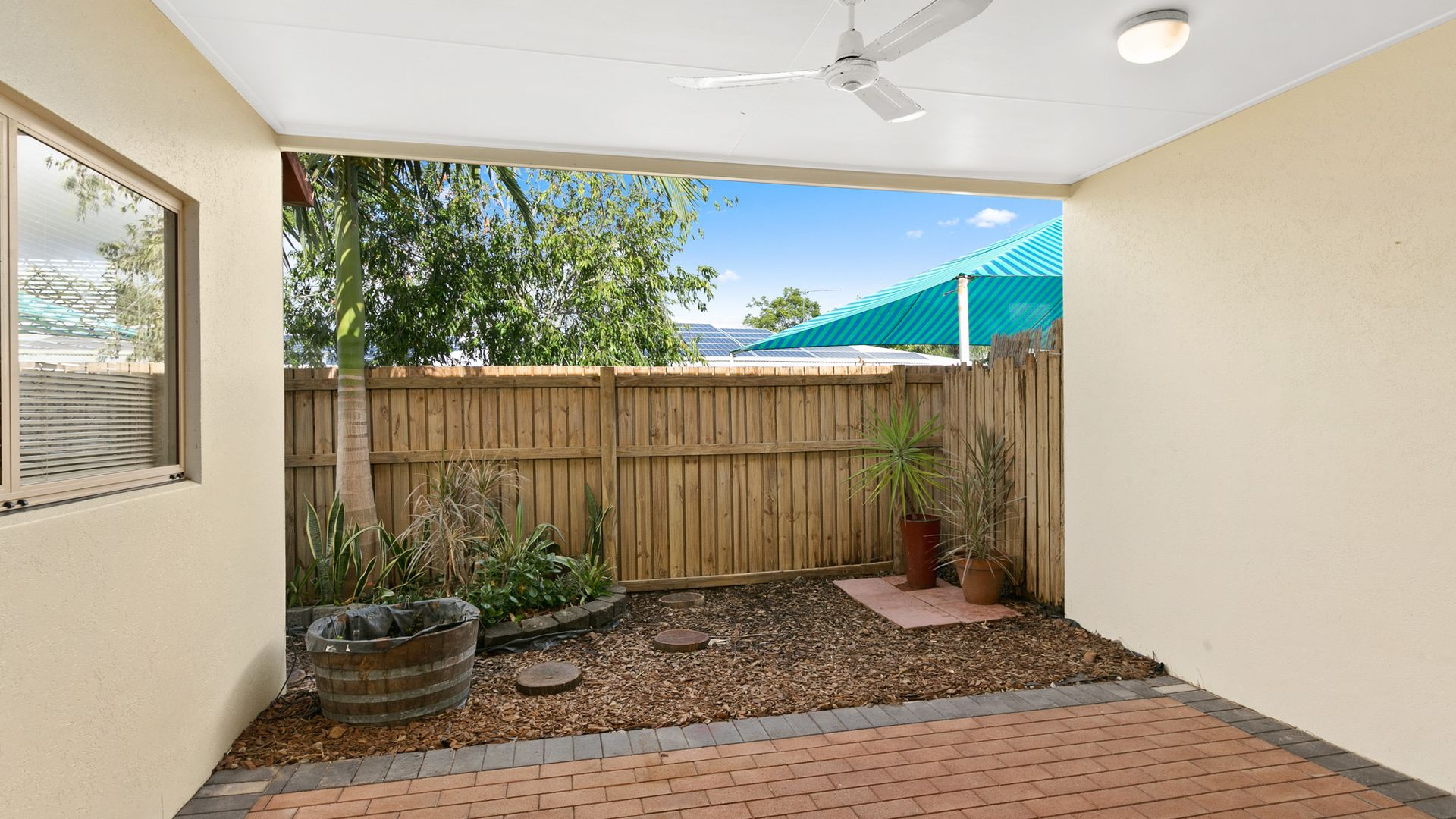 4/5-7 Oyster Court, Trinity Beach QLD 4879, Image 2