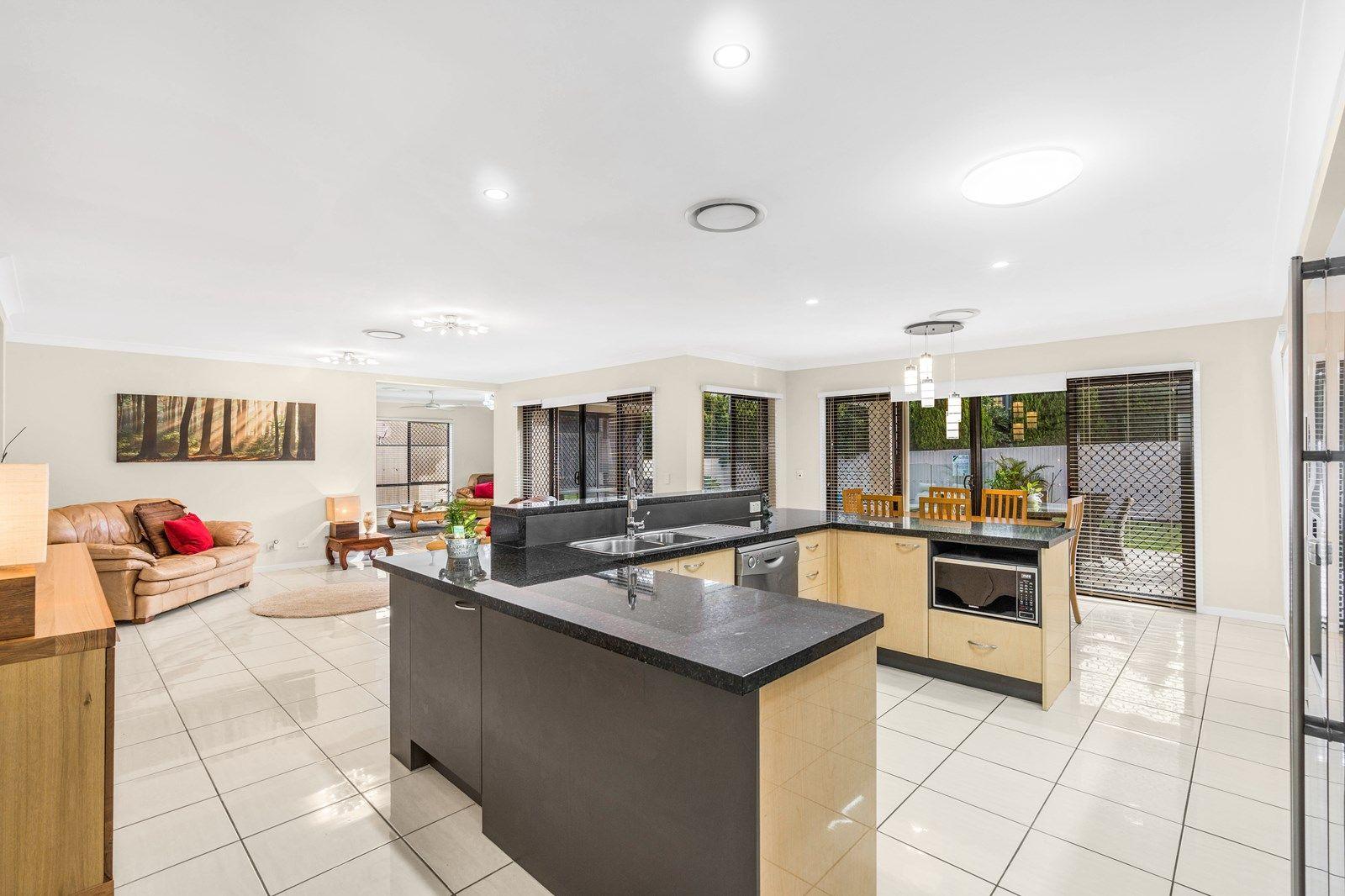 22 Nursery Place, Wakerley QLD 4154, Image 2