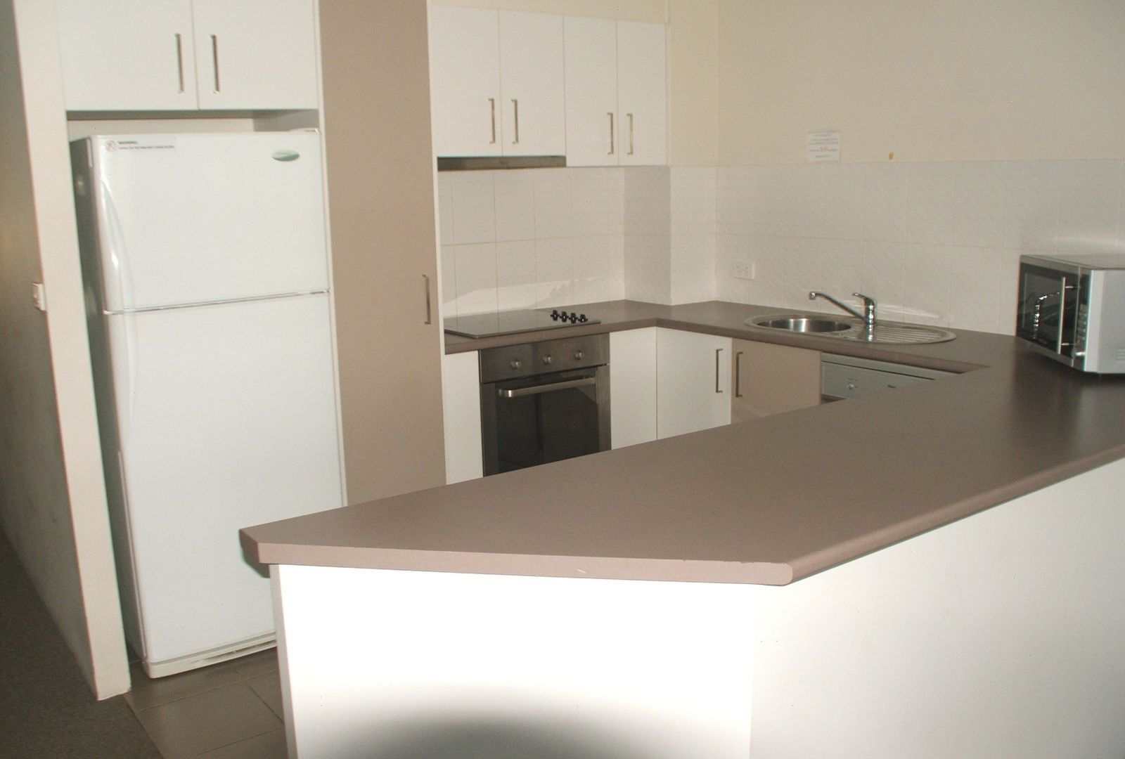 34/37 Bayview Street, Runaway Bay QLD 4216, Image 2