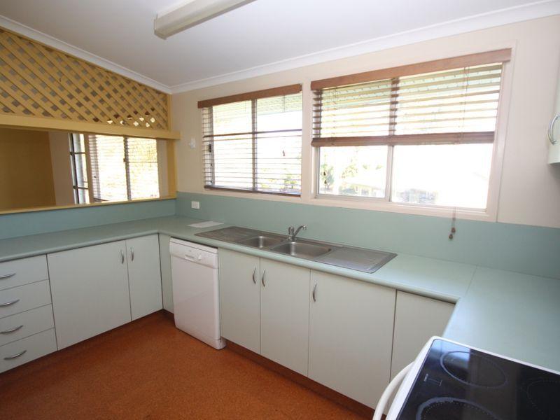 15 Twelfth A Avenue, Home Hill QLD 4806, Image 2