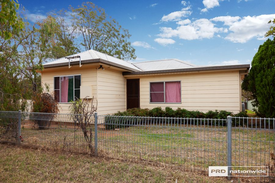 23 Elm Street, Tamworth NSW 2340, Image 0