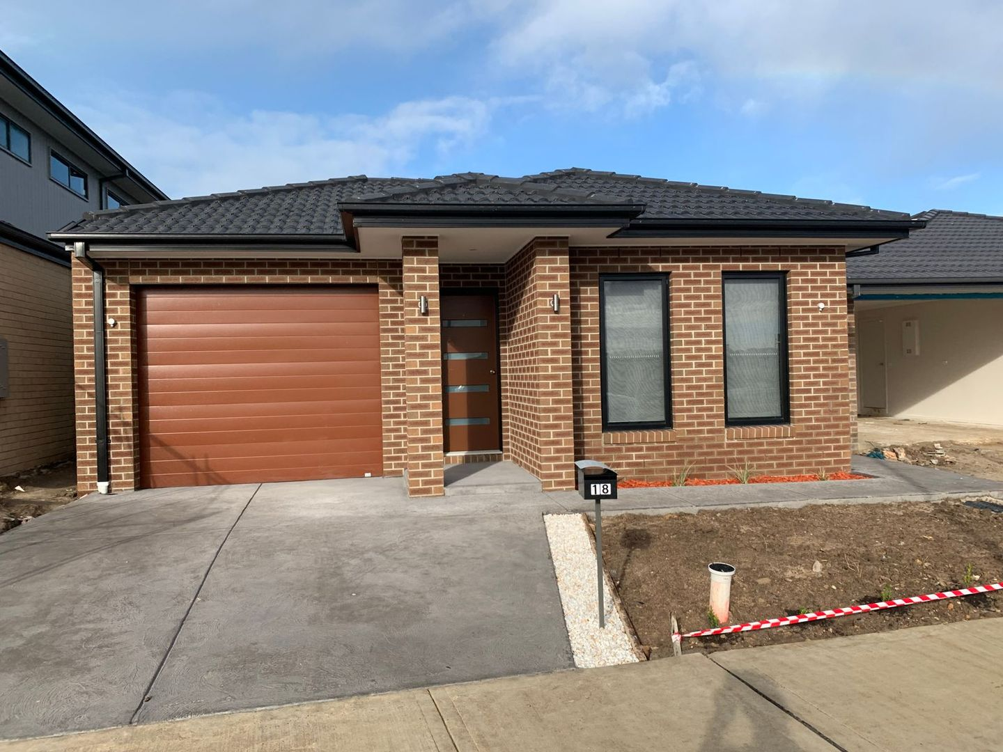 18 Dalziell Crescent, Cranbourne North VIC 3977, Image 0