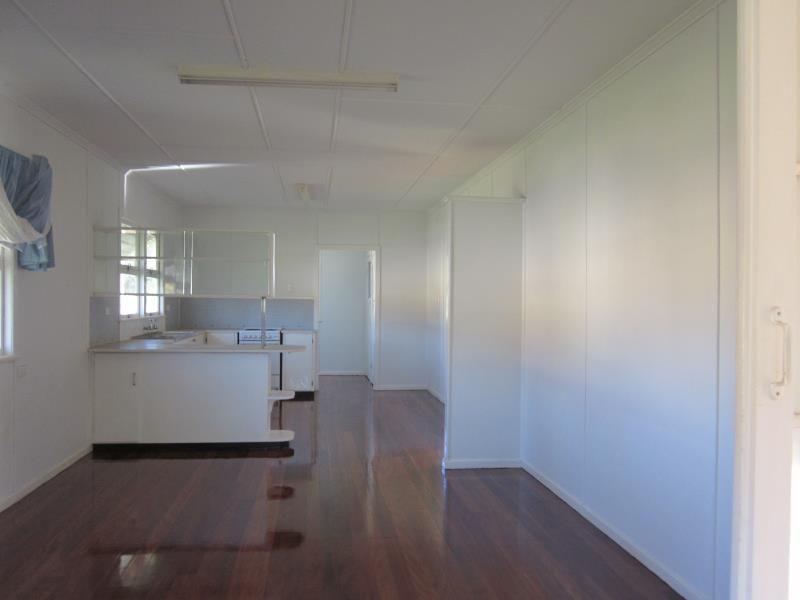1 Third Avenue, Scarborough QLD 4020, Image 2