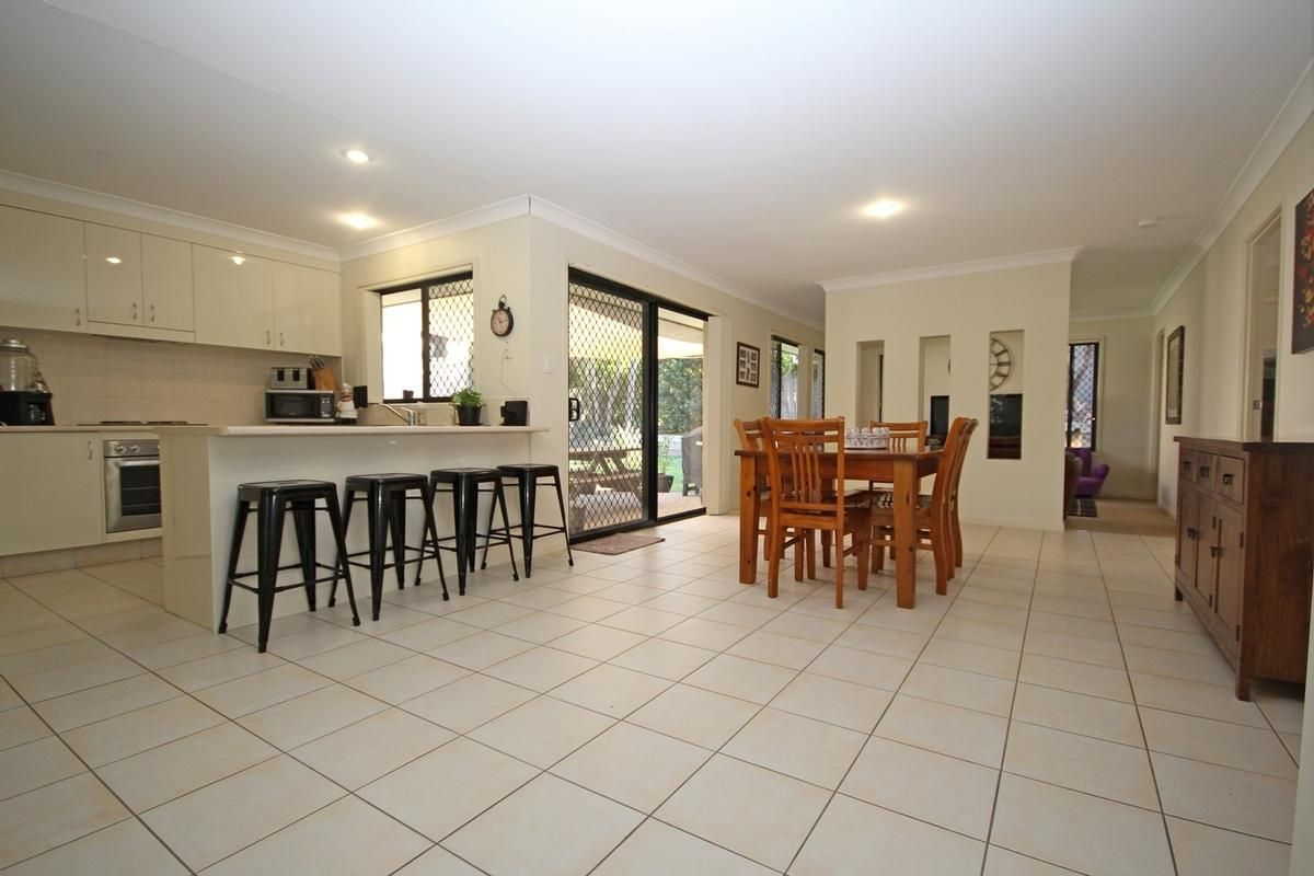 9 WANDERER CRESCENT, Springfield Lakes QLD 4300, Image 2