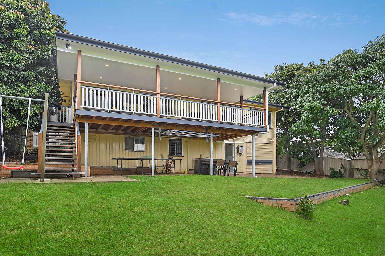 79 Mingera Street, Mansfield QLD 4122, Image 2
