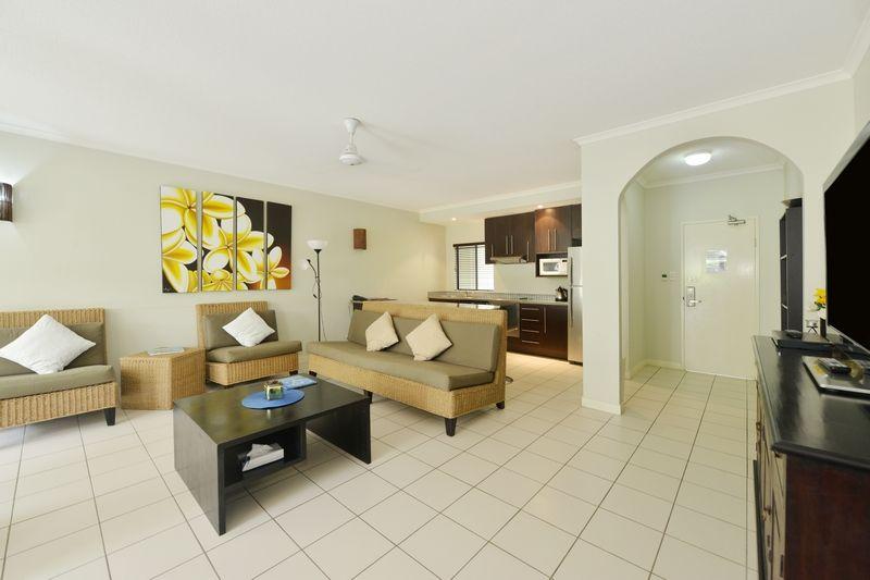 39/81 Cedar Road, Palm Cove QLD 4879, Image 2