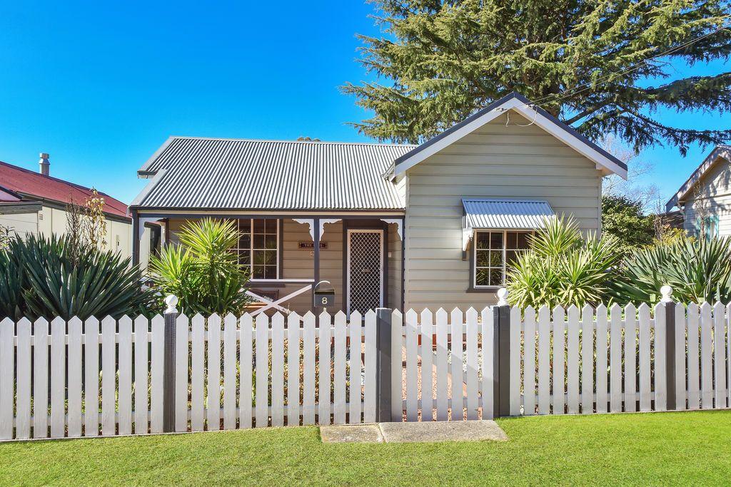 8 Duff Street, Katoomba NSW 2780, Image 0
