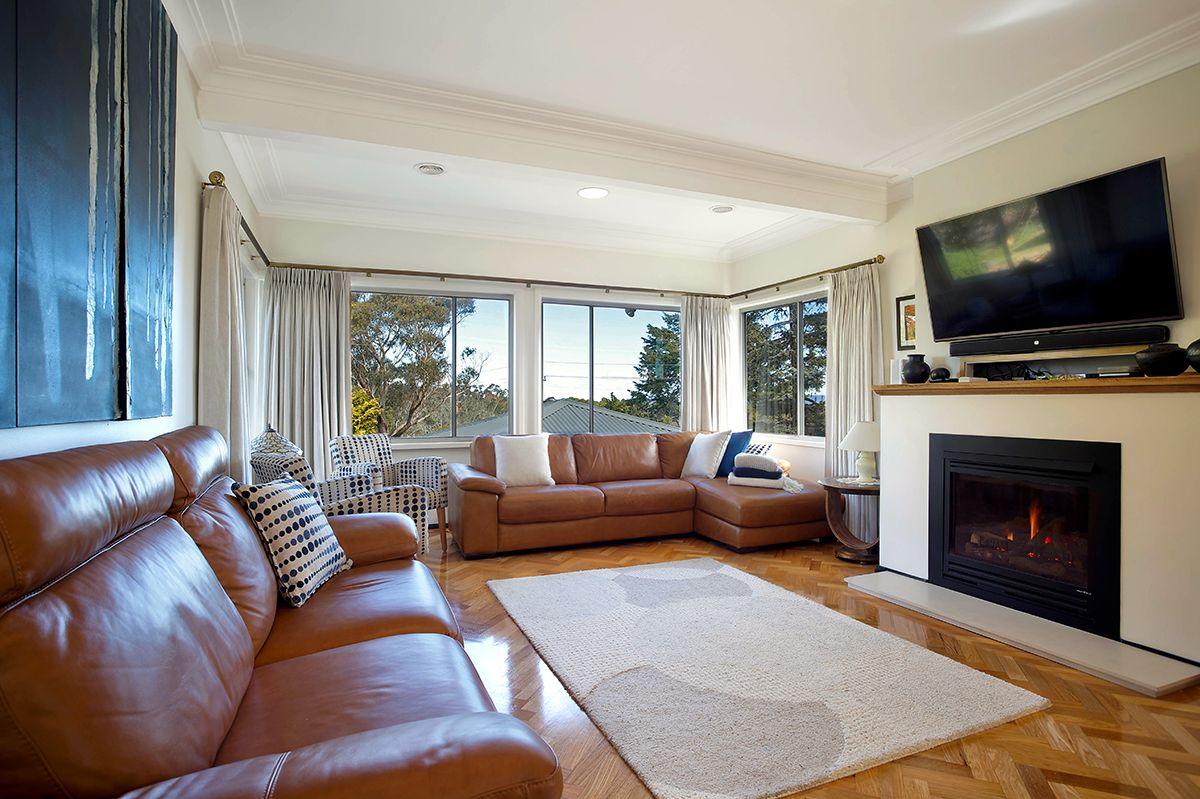 19 Buena Vista  Avenue, Wentworth Falls NSW 2782, Image 2
