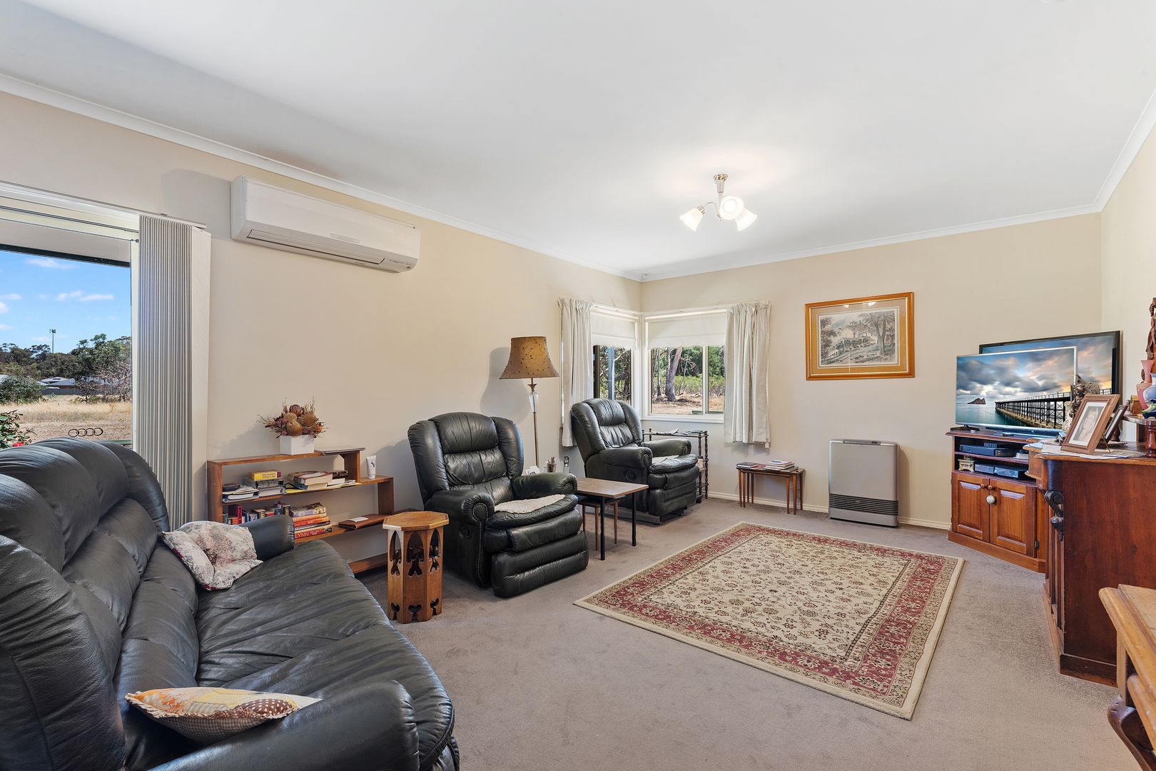 130 Simpsons Road, Eaglehawk VIC 3556, Image 2