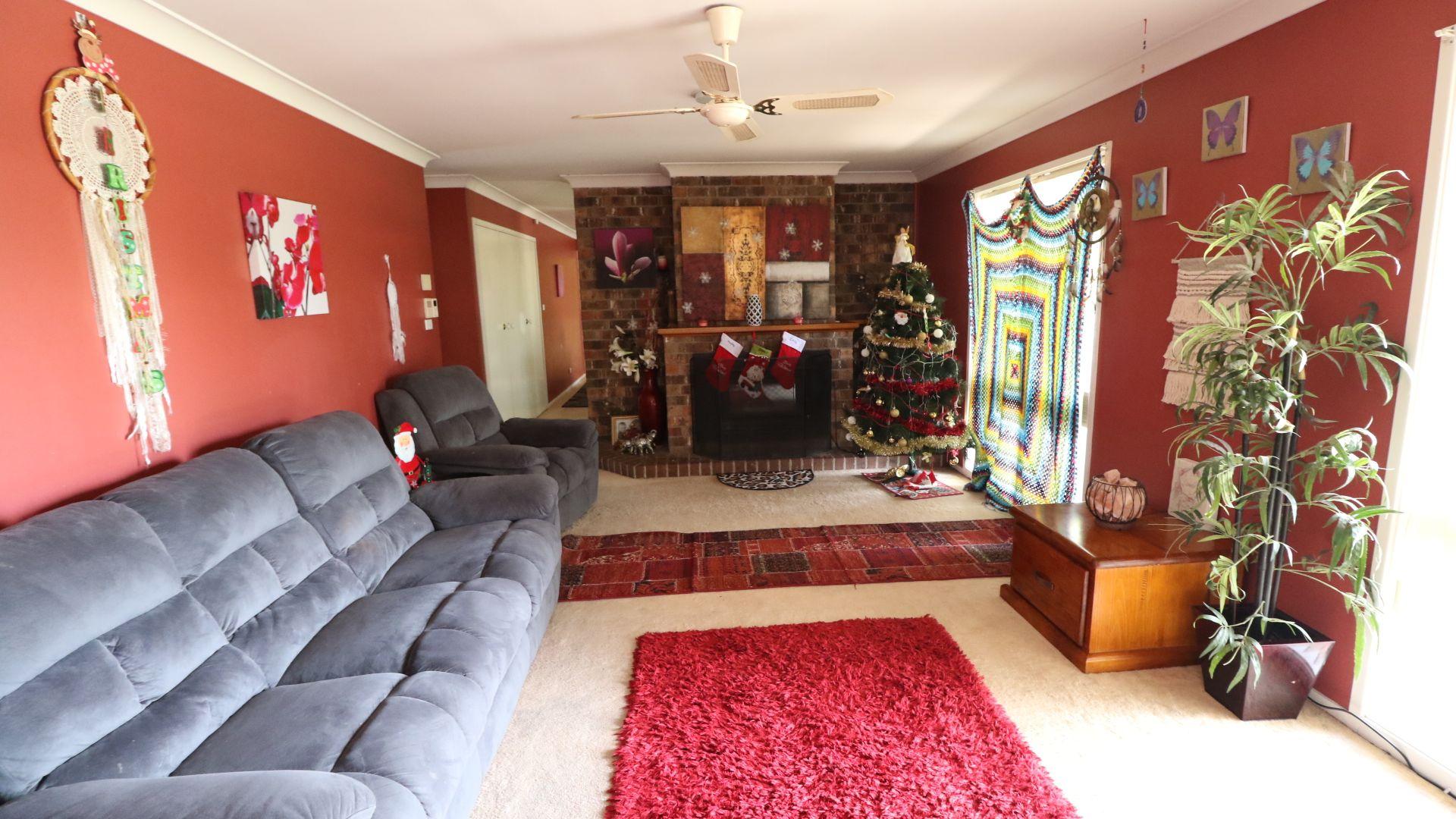 51 Dawson Drive, Cowra NSW 2794, Image 2