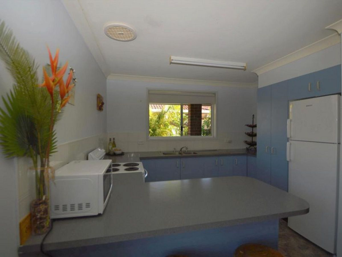2/16 Heron Court, Yamba NSW 2464, Image 2