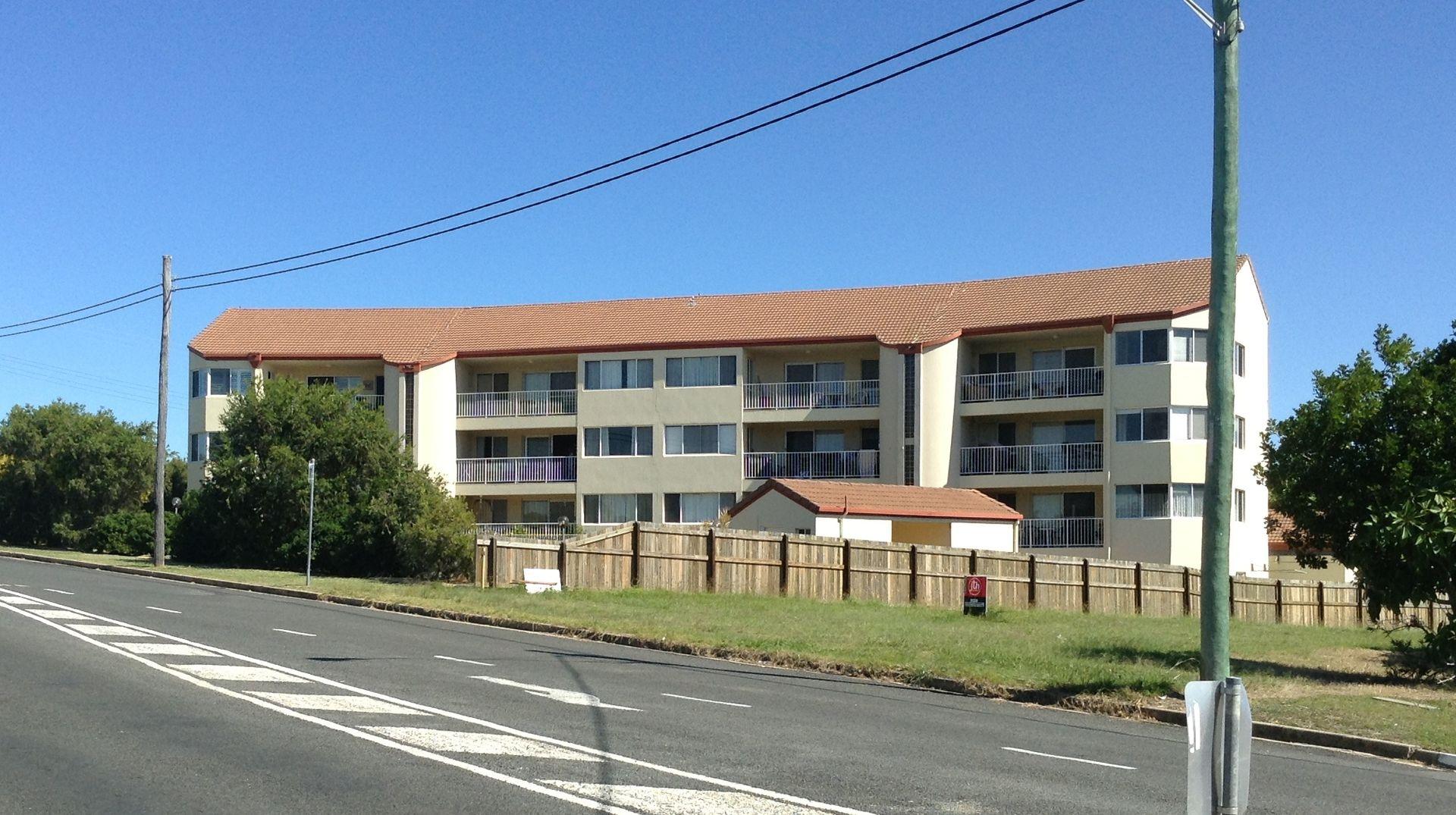10/13-15 Corner of Pulgul Street and Dayman Street, Urangan QLD 4655, Image 0
