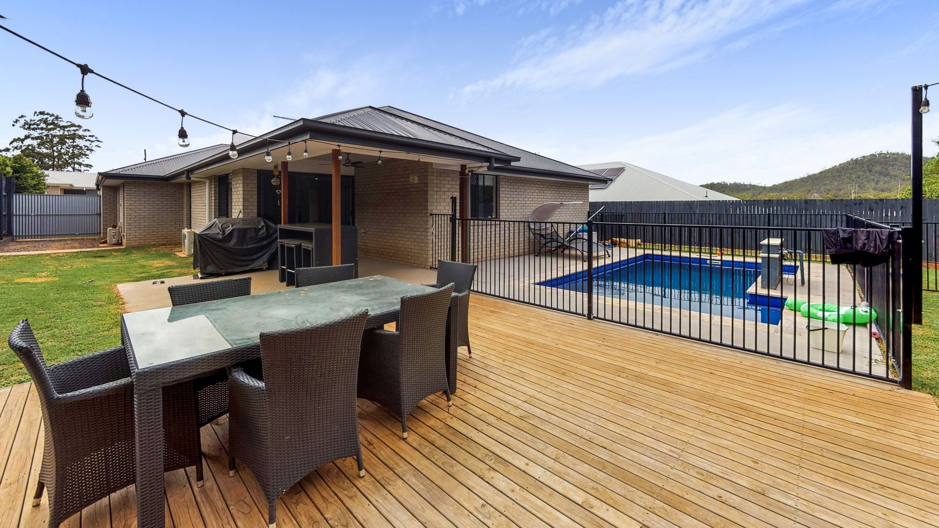 5 ROWLEY CLOSE, Glass House Mountains QLD 4518, Image 0