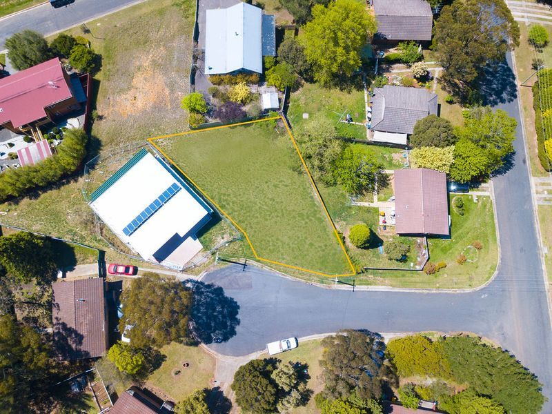 1 Attunga Place, Moss Vale NSW 2577