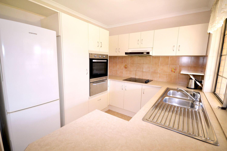 6 Toomey Court, Mount Warren Park QLD 4207, Image 2