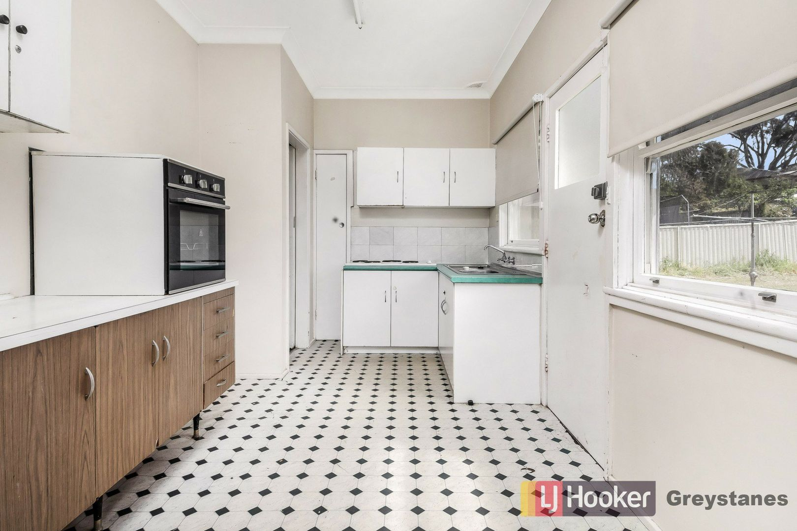 6 Dawn Street, Greystanes NSW 2145, Image 2