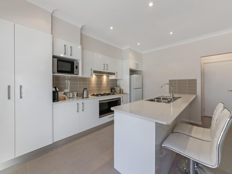 10A Horace Street, Middleton Grange NSW 2171, Image 2