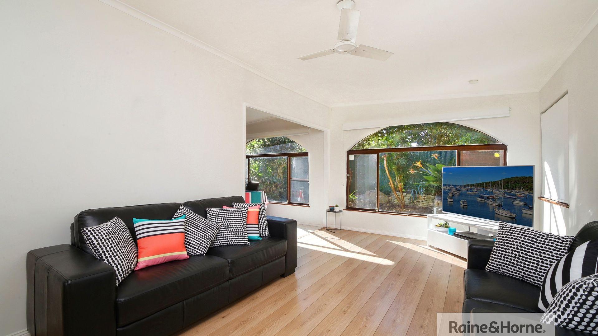 15 Cowper Road, Umina Beach NSW 2257, Image 2