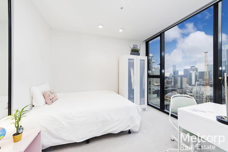 2408/33 Mackenzie Street, Melbourne VIC 3000, Image 2