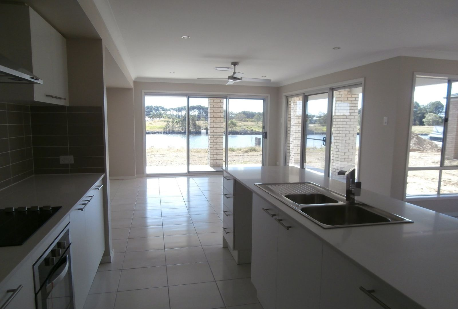 21 North View Street, Hope Island QLD 4212, Image 1