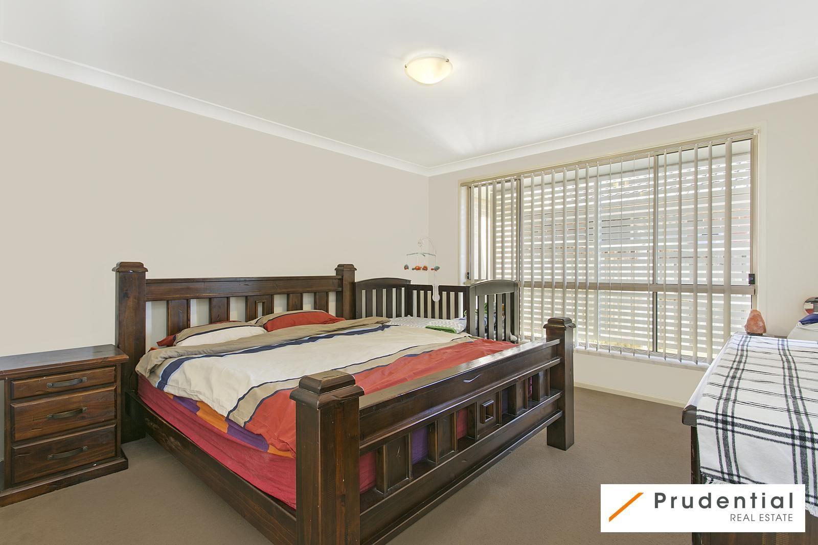 15 Snowy Avenue, Minto NSW 2566, Image 2