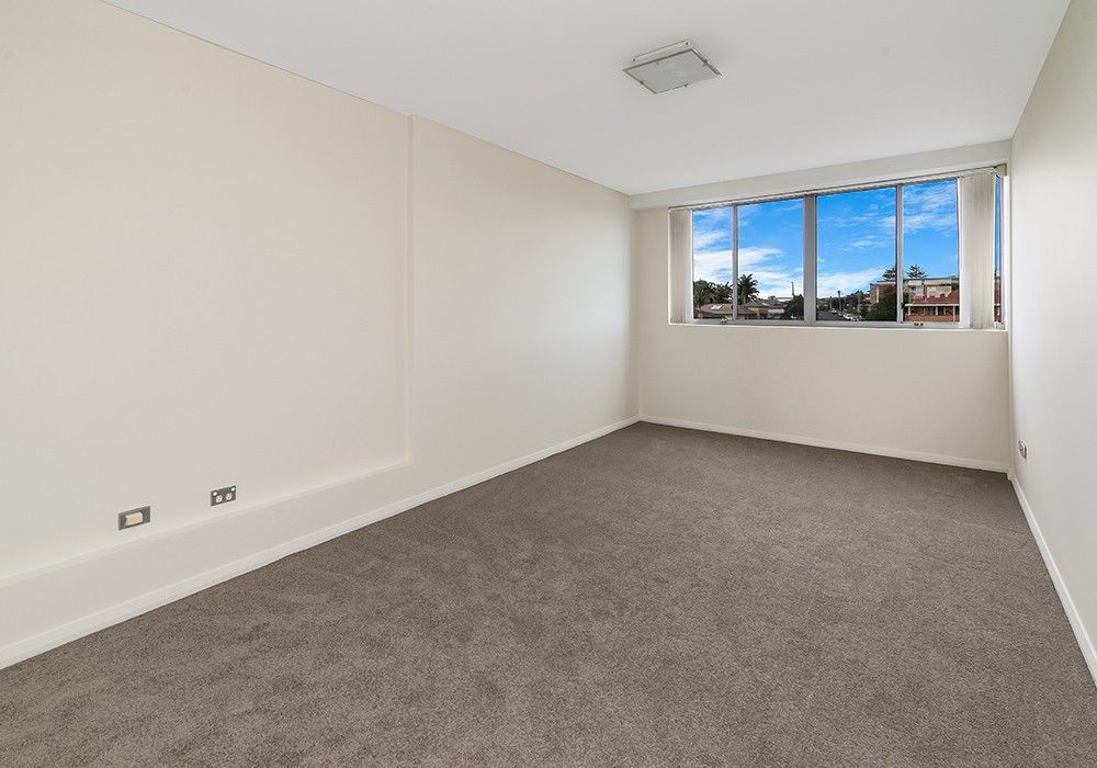 19/2-6 Warrigal St, The Entrance NSW 2261, Image 2