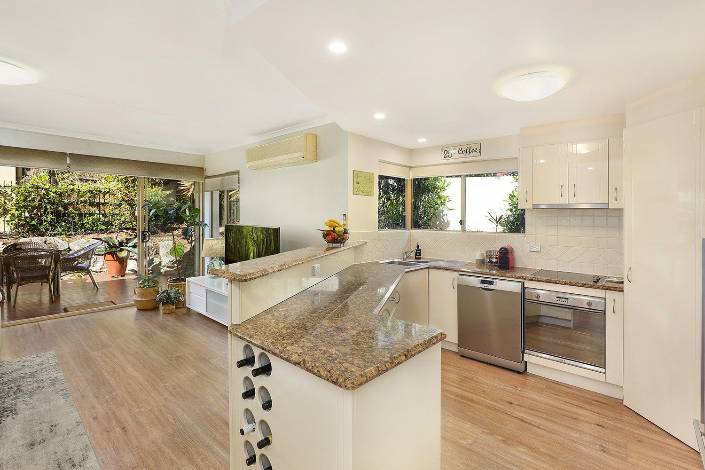 4/5 Tranquil Place, Alexandra Headland QLD 4572, Image 2