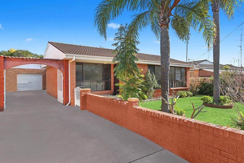 4 Moras Place, Lake Illawarra NSW 2528, Image 0