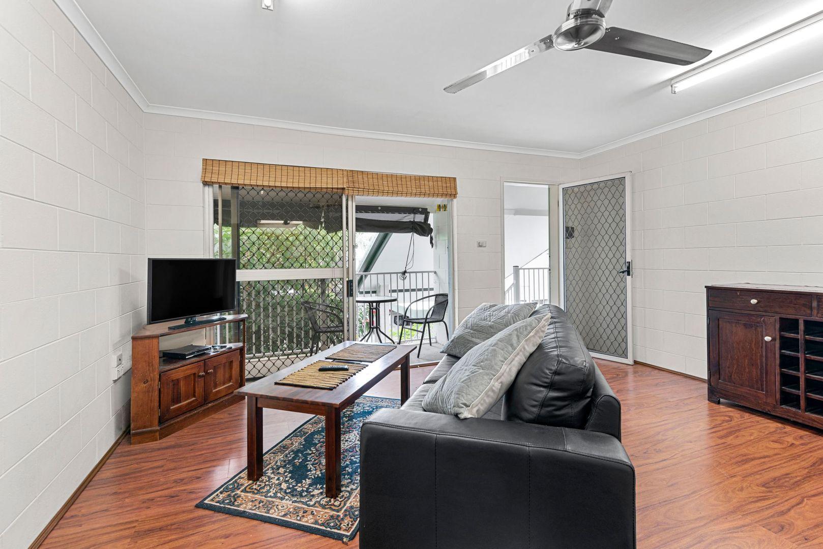 9/6 McPherson Close, Edge Hill QLD 4870, Image 2
