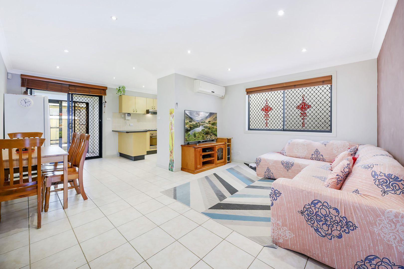 2/73 Buckingham Street, Canley Heights NSW 2166, Image 1