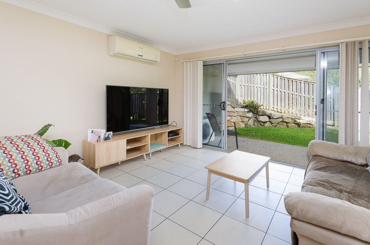1/1 Tooma Place, Pacific Pines QLD 4211, Image 1