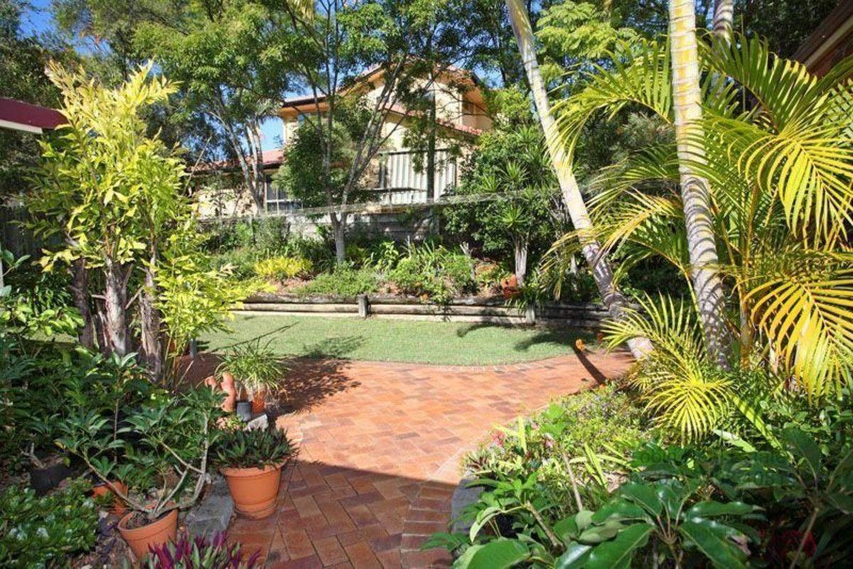 16 Rossmoya Street, Carindale QLD 4152, Image 2