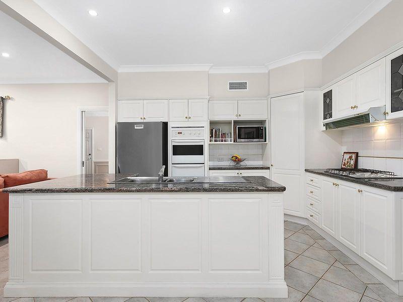 3 Valley Glen, West Pennant Hills NSW 2125, Image 2