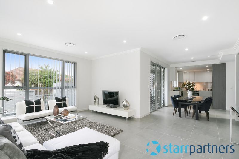18 Dunbar Ave, Regents Park NSW 2143, Image 0