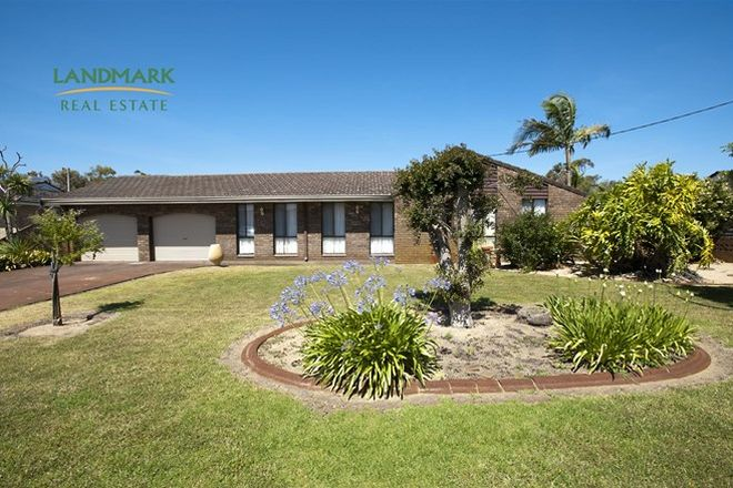 Picture of 13 Barr Road, CAREY PARK WA 6230