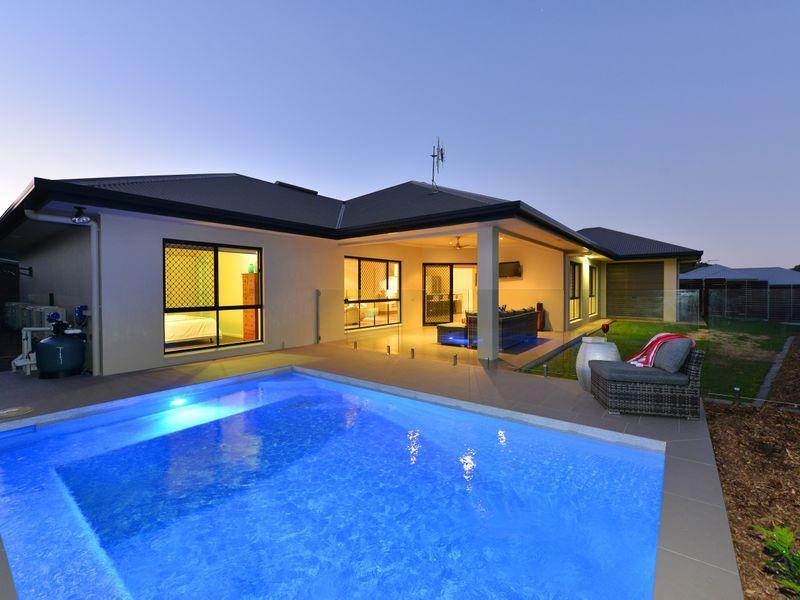 14 Raffles  Avenue, Redlynch QLD 4870, Image 0
