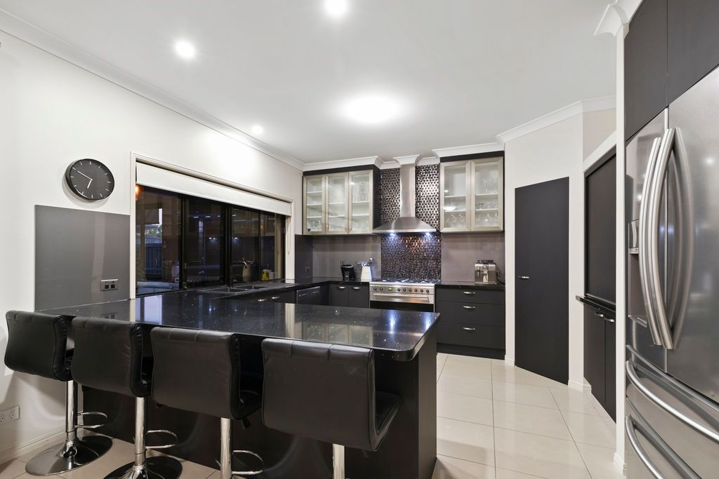 89 Hindes Street, Lota QLD 4179, Image 2