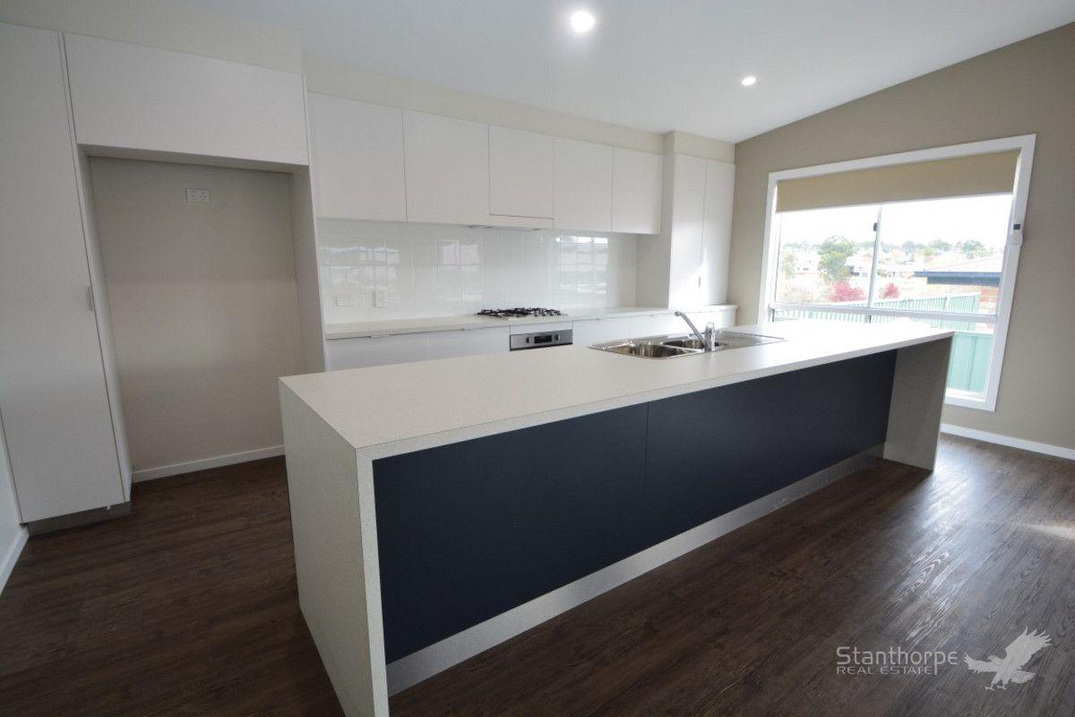 Villa 4 / 24 Granite Street, Stanthorpe QLD 4380, Image 2