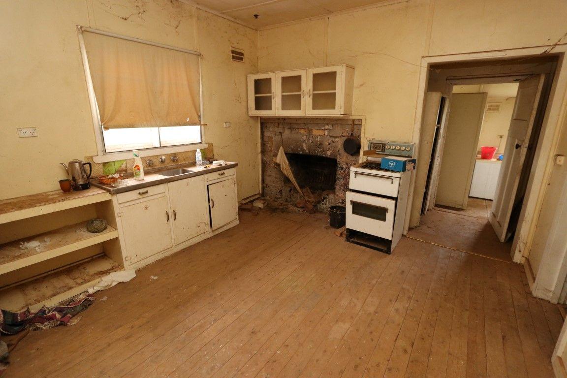 198 Camp Street, Temora NSW 2666, Image 1
