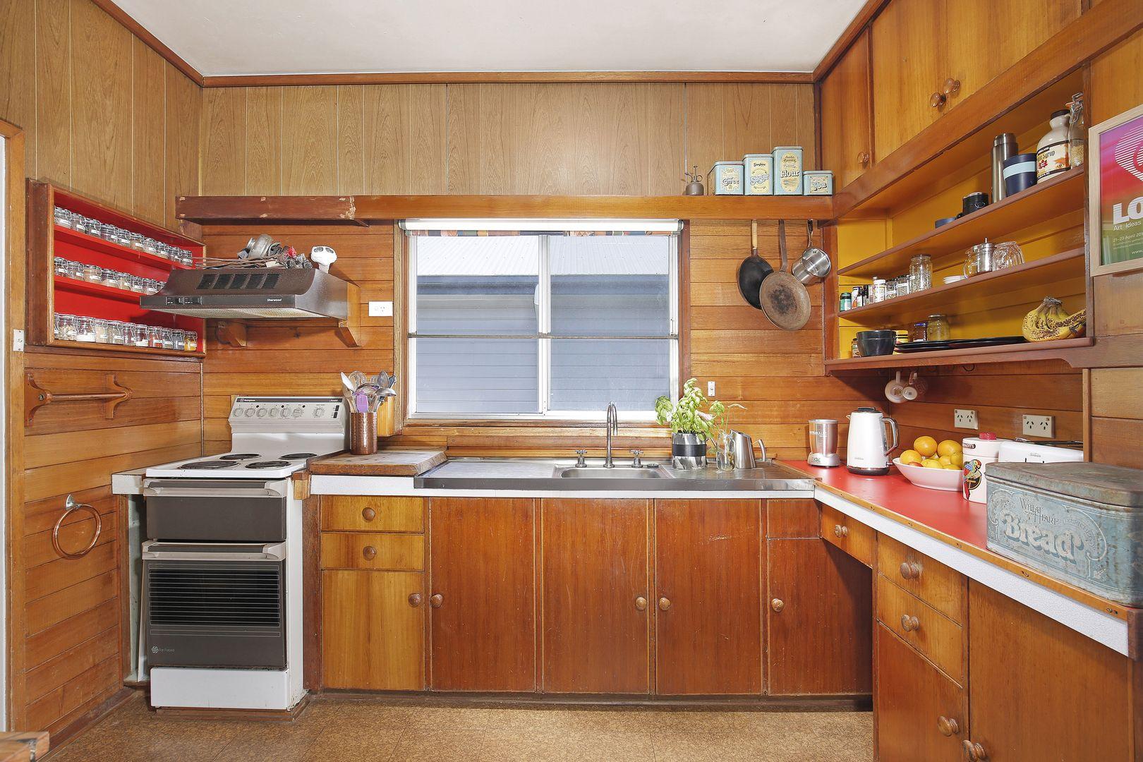 7 Araluen Avenue, Mount Kembla NSW 2526, Image 2