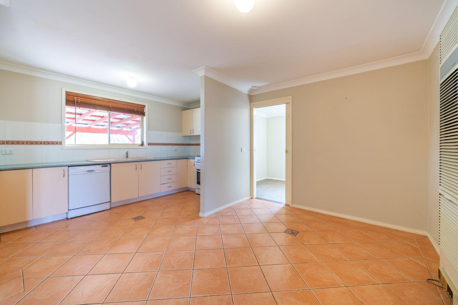 5 Sundown Drive, Kelso NSW 2795, Image 2