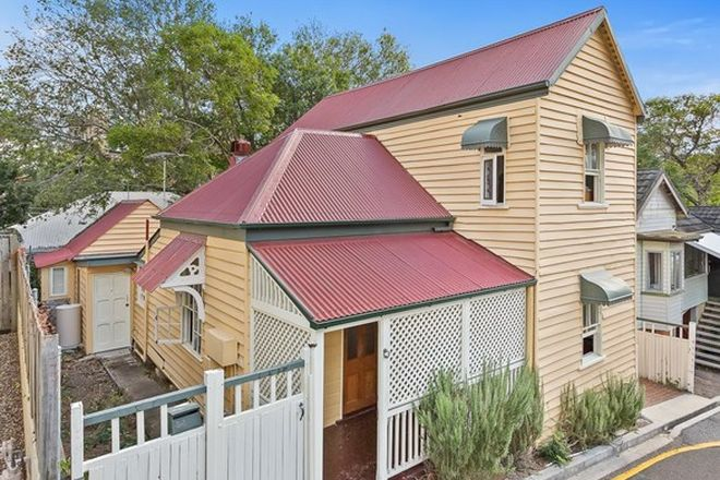 Picture of 34 Robert Street, SPRING HILL QLD 4000