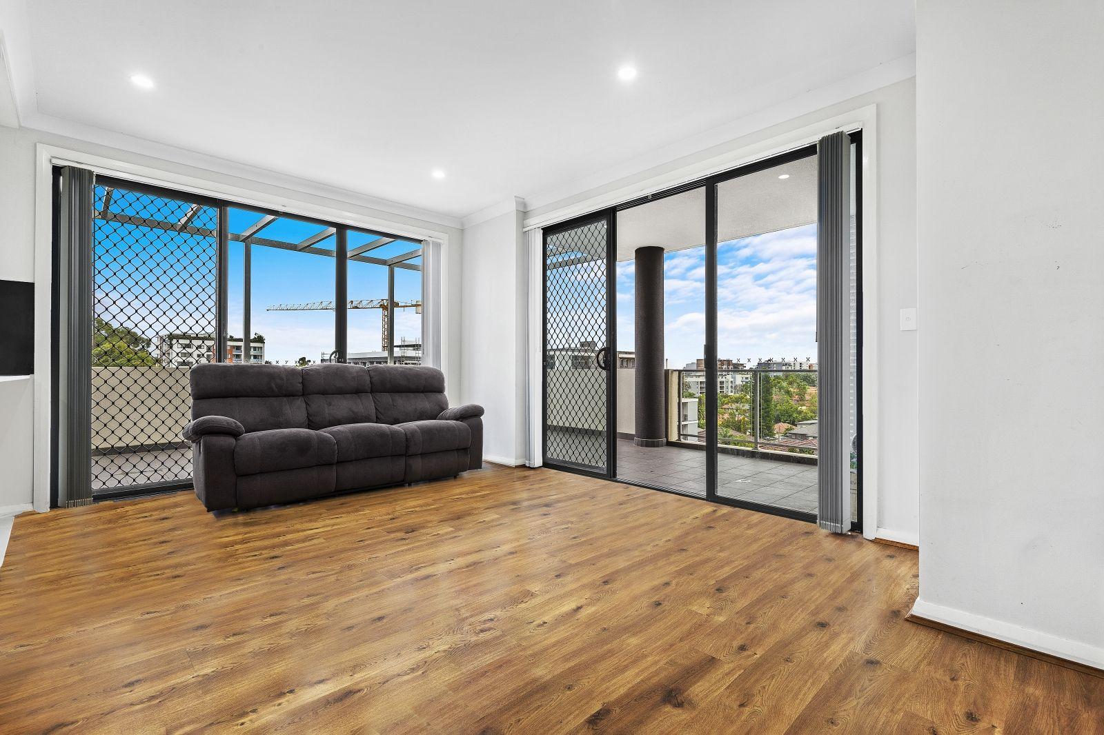 303/2-4 Amos St, Parramatta NSW 2150, Image 2