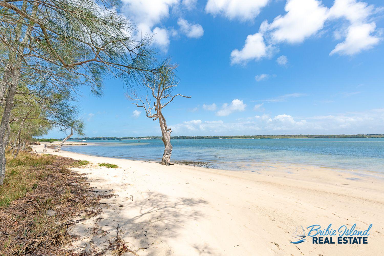 47 Sylvan Beach Esplanade, Bellara QLD 4507, Image 2