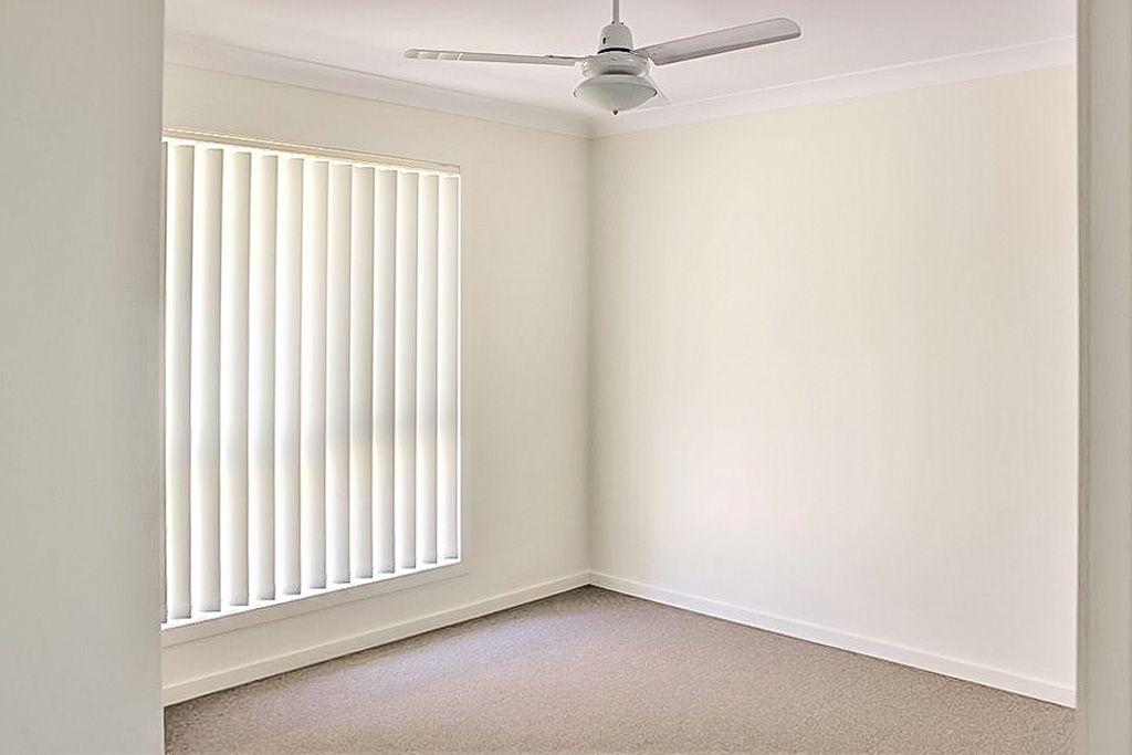 4 Preston Court, Glenvale QLD 4350, Image 2