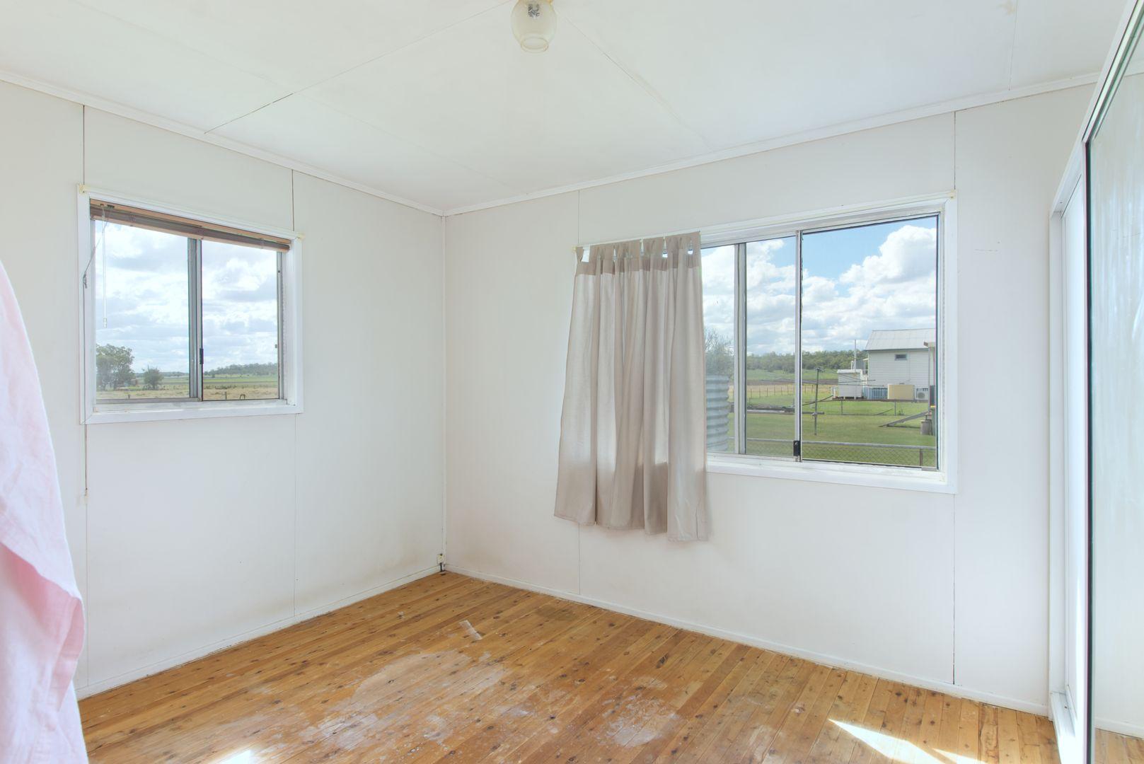5 Nungil Street, Jondaryan QLD 4403, Image 2