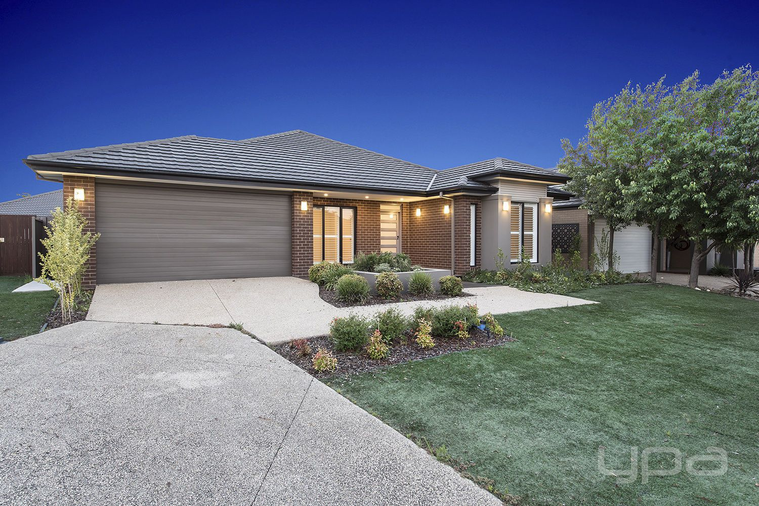 6 Cherry Lake Green, Caroline Springs VIC 3023, Image 1