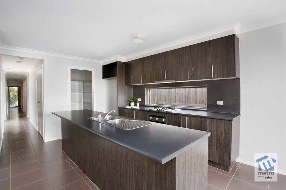 15 Pads Way, Sunbury VIC 3429, Image 0