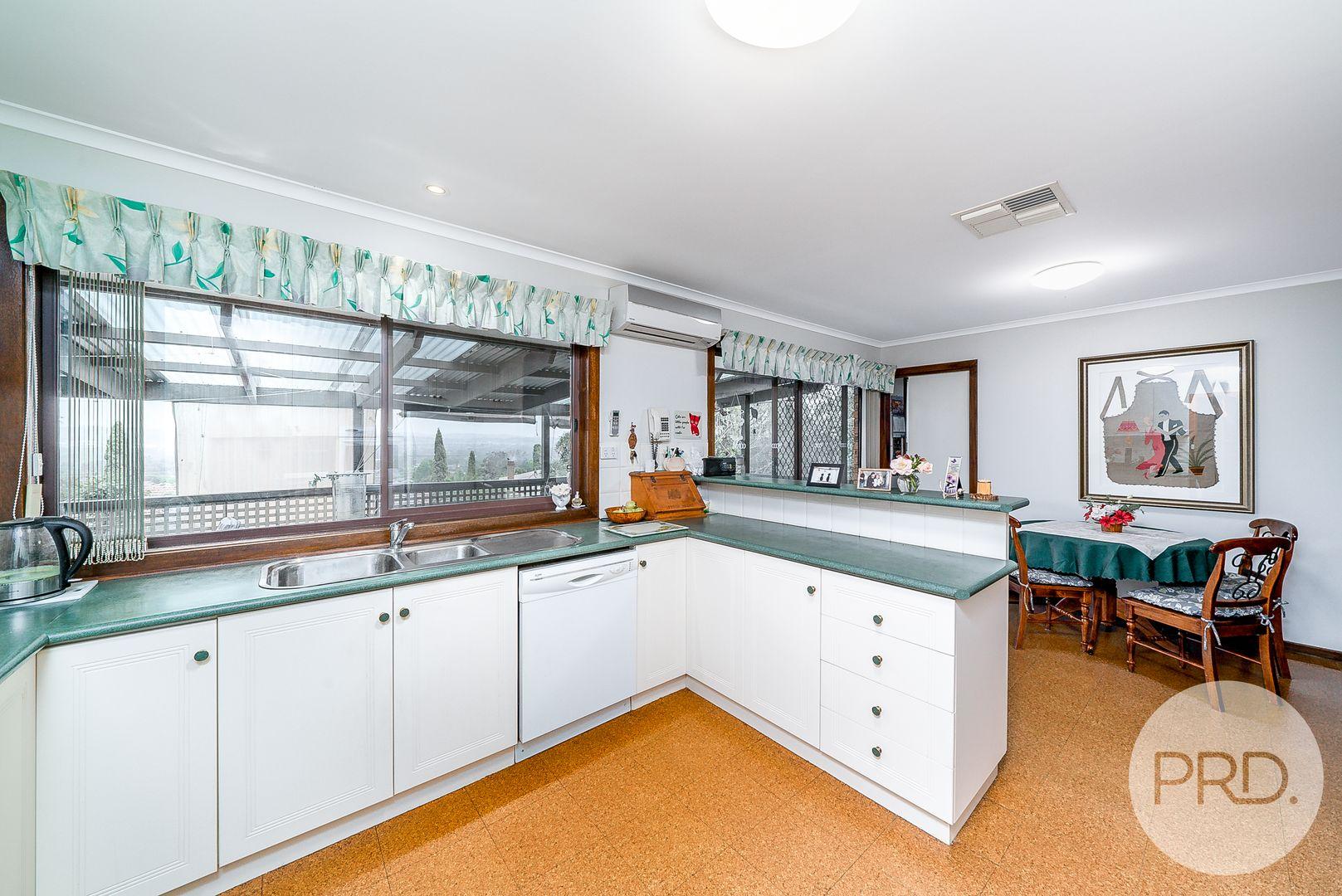 16 Lincoln Avenue, Tolland NSW 2650, Image 1