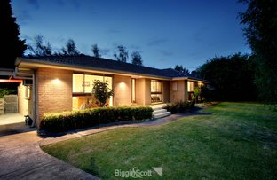 Picture of 11 Roundhay Court, Berwick VIC 3806